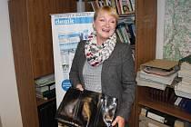 Senátorka Jitka Seitlová věnovala jednu ze svých kabelek do Kabelkového veletrhu Deníku.