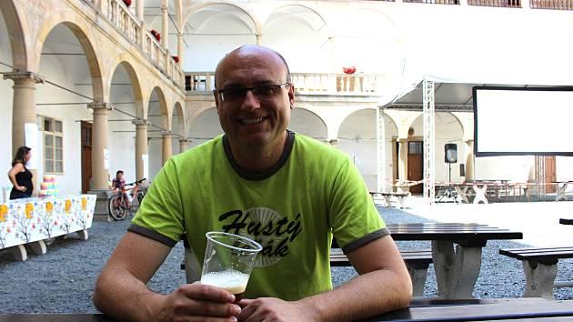 Petr Drozd, zakladatel létajícího pivovaru v Hustopečích nad Bečvou.