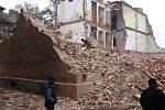 Říjen 2009. Začátek bourání prvního domu ve Škodově ulici