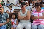 Pohodová atmosféra vládla o víkendu na Svatojakubských hodech v Lipníku. V sobotu odpoledne se dobrou náladu na náměstí postarala skupina Berušky z Jablonce nad Nisou.