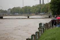 Stoupající hladina Bečvy v Přerově. Ilustrační foto