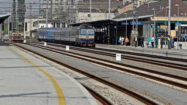 Zrekonstruované přerovské nádraží po první etapě modernizace železničního uzlu dokončené v roce 2014