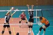 Přerov (v tmavém) vs. Olomouc. 3. zápas čtvrtfinále
