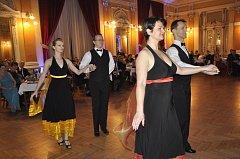 Reprezentační ples města Přerova se konal v sobotu večer v Městském domě. Hvězdou večera byl zpěvák Janek Ledecký.