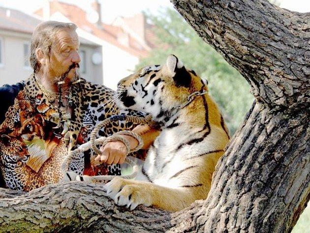 Cirkus Jo-Joo přiveze do Přerova tygry sibiřské i finalisty Československo má talent 2011