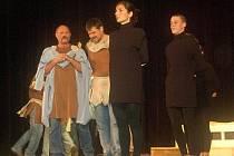 Rockový muzikál Odysseus přerovské ochotnického divadla Dostavník