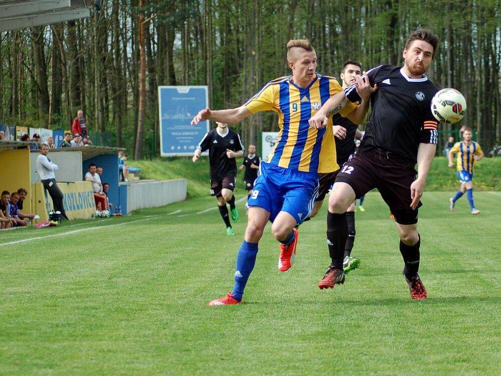 Fotbalisté Kozlovic (v pruhovaném) proti Havlíčkovu Brodu