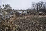Listopad 2017. Odklízení suti po zbouraných domech ve Škodově ulici v Přerově