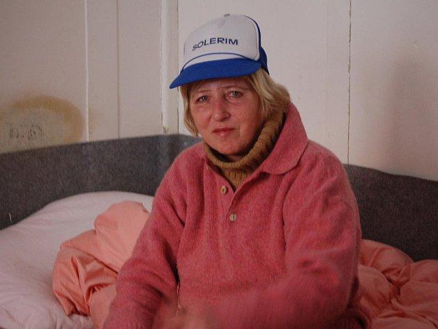 Jedna z obyvatelek ubytovny pro bezdomovce v Přerově