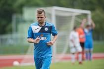 Fotbalisté Přerova (v modrém) v přátelském utkání s 1. HFK Olomouc. Lukáš Kaďorek
