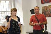 Nevšední sochařskou a malířskou tvorbu autora Petra Kuby mohou obdivovat návštěvníci Výstavní síně Pasáž v Přerově, kde začala ve čtvrtek odpoledne výstava jeho děl.