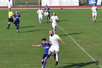 Fotbalisté Přerova (v modrém) proti Tatranu Všechovice
