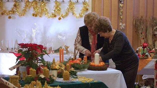 Výstava vánočních dekorací v Beňově