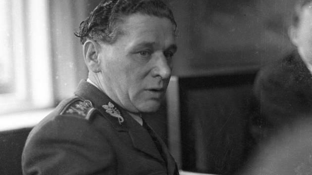 Fotografie znávštěvy ministra zahraničních věcí Jana Masaryka vPřerově ve dnech 14. - 15. 2. 1948, vdoprovodu Karel Janoušek.