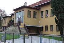 Mateřská škola v Dřevohosticích í vede dodnes kroniky. V sobotu 8. listopadu oslaví 50 let.