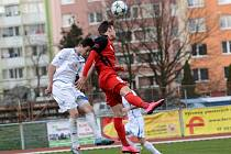 Fotbalisté přerovské Viktorie (v bílém) proti Hodonínu