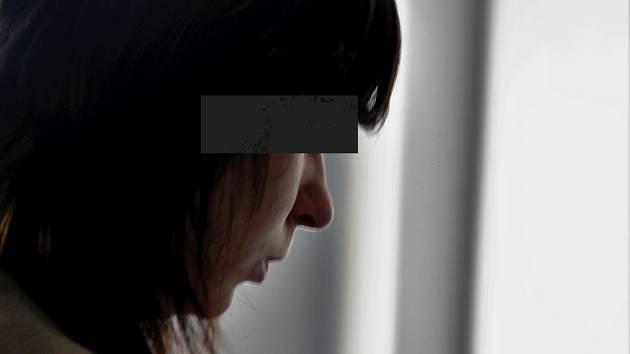 Alena G. z Přerově obžalovaná z vraždy tříleté dcerky u krajského soudu v Olomouci