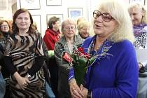 Malířka a herečka Iva Hüttnerová zahájila ve čtvrtek 6. října v přerovské Galerii Eso v Přerově vernisáž svých obrazů.