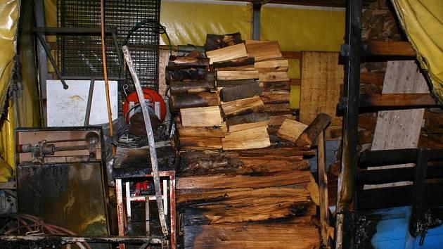 Požár dřeva v Želatovicích