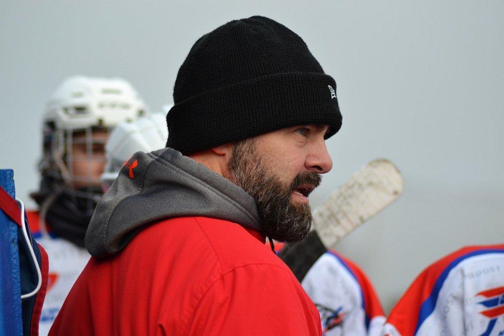 Winter Classic hokejového dorostu mezi HC Zubr Přerov a HC RT Torax Poruba. David Moravec