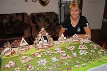 Hana Pavlíčková před Vánoci nazdobí vždy přes tři sta kousků
