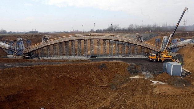 Stavba dálnice D1 mezi Lipníkem a Přerovem. Polovina března 2018