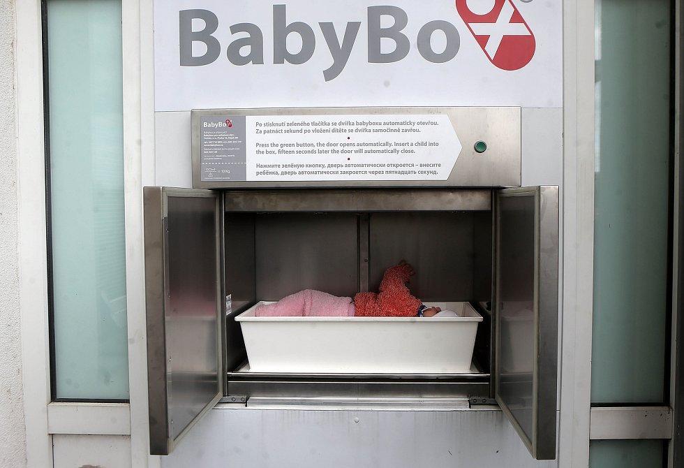 Otevření modernizovaného babyboxu v přerovské nemocnici