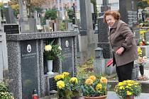 Před dušičkami na Městském hřbitově v Přerově