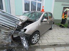 Nehoda dacie mezi Kozlovicemi a Grymovem