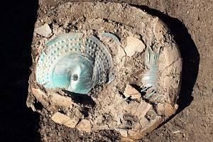Archeologové našli na poli na Přerovsku vzácný depot z pozdní doby bronzové.