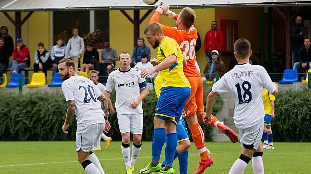 Fotbalisté Kozlovic (ve žlutém) proti SK Dětmarovice
