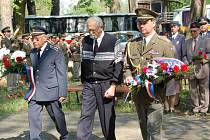 Památku jednadvaceti obětí Přerovského povstání uctili ve středu dopoledne u památníku v olomouckých Lazcích představitelé města, armády a sokolské obce. Od tragické události uplynulo přesně sedmašedesát let.