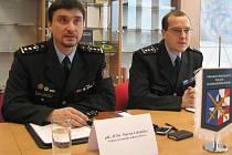 Vedoucí územního odboru Policie ČR v Přerově Martin Lebduška (vlevo)