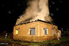 Požár střechy v Horní Moštěnici