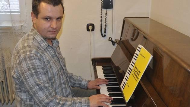 Přerovský klavírista Petr Stojan