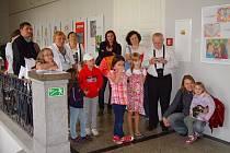 """Přerovské muzeum tento rok na Den dětí přivítalo i nejmenší návštěvníky a při příležitosti vernisáže k tématické výstavě """"Jak se dělá láska"""" si jeho pracovníci připravili krátké představení."""