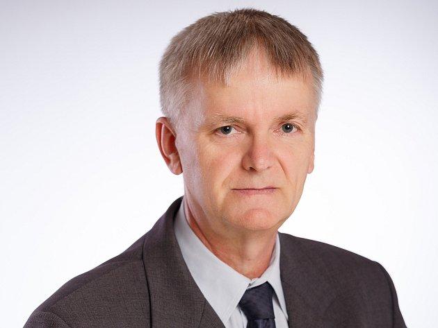 Ředitel Státního okresního archivu vPřerově Jiří Lapáček.