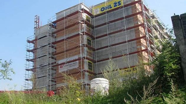 Rozestavěná budova centrální dispečerského pracoviště u Mádrova podjezdu v Přerově