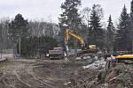 Rybářská alej je dnes místem poklidných procházek Přerovanů. Stromořadí ale v budoucnu prořídne kvůli stavbě protipovodňové zídky. Stromy se nyní kácejí také u centrálního tenisového kurtu, kde má vyrůst nová hala.