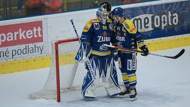 Hokejisté Přerova (v modrém)