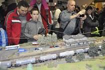Výstava modelů vláčků v depu přerovského vlakového nádraží.