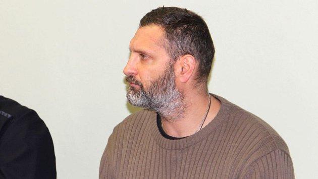 Bývalý strážník Robert Fryč u přerovského okresního soudu