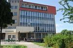 Bývalou budovu Střední zdravotnické školy v Přerově čeká rekonstrukce i zvelebení okolní prostranství.