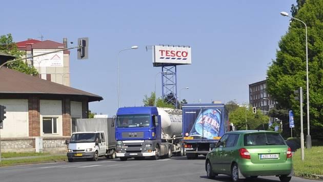Uzavírka Tovární ulice a dlouhé kolony v Přerově