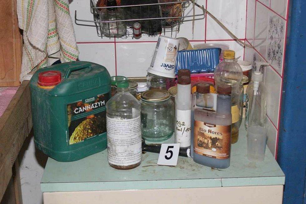 Kriminalisté zajistili při domovní prohlídce u pětatřicetiletého muže, kterého zadrželi v obci nedaleko Přerova, různé druhy omamných látek.