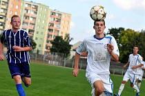 Přerovští fotbalisté (v bílém) v utkání se Starou Říší