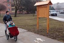 Jedna z informačních tabulí nové cyklotrasy je osazena i pod městskými hradbami v Přerově.