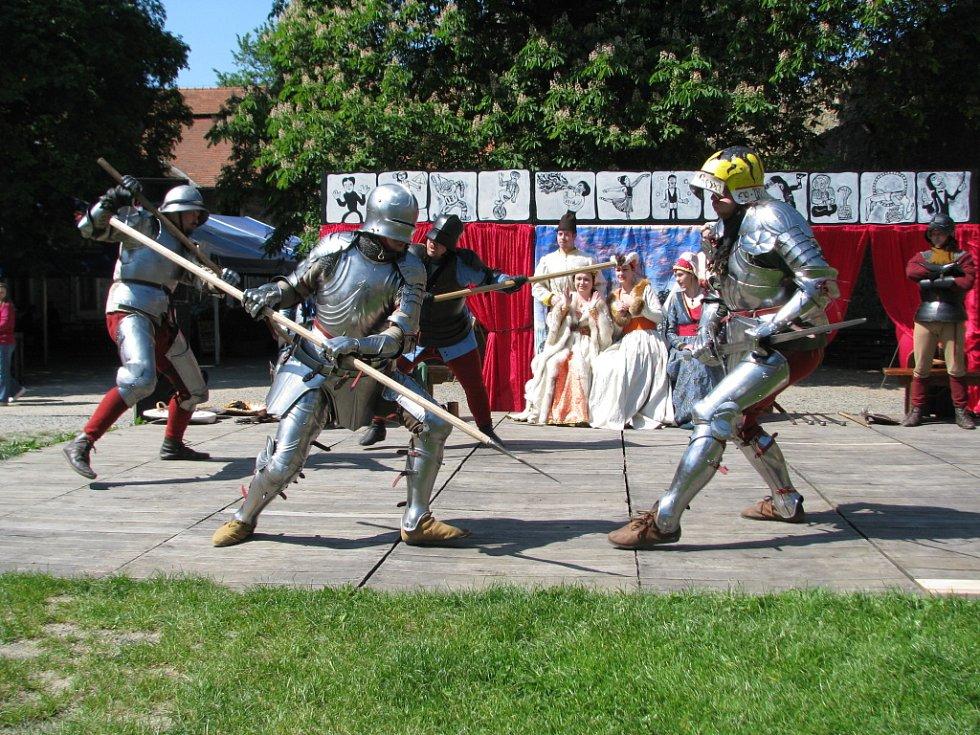 Festival vojenské historie na hradě Helfštýně