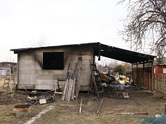 Požár chatky v Lověšicích