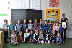 Žáci 1.A ze ZŠ U Tenisu v Přerově s paní učitelkou Janou Svobodovou
